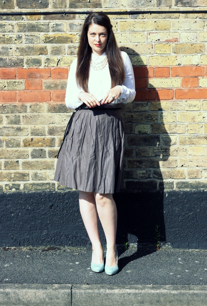 outfit, ootd, fashion, midi skirt, london, summer, office outfit