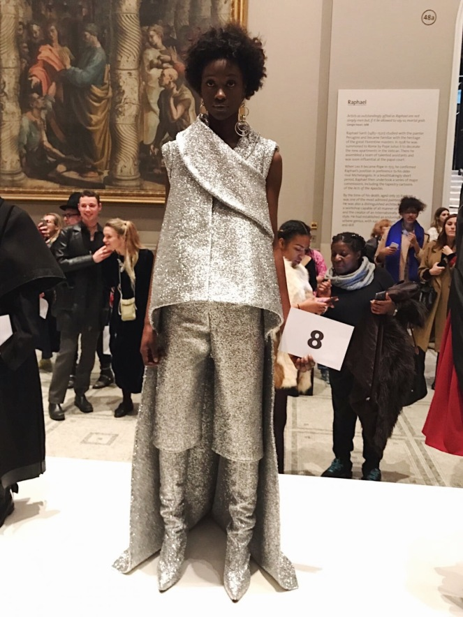 victoria & albert museum, v&a, raphael gallery, fashion in motion, anamiblog, Katie Paul