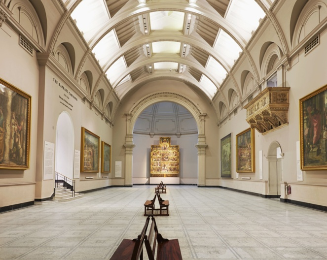 victoria & albert museum, v&a, raphael gallery, fashion in motion, anamiblog